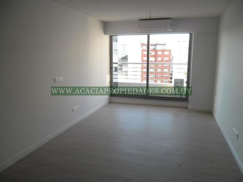 venta de apartamento con garaje en go 2