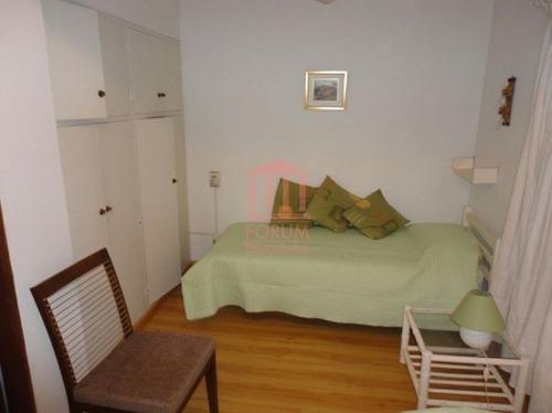 venta de apartamento de 3 dormitorios , 2 baños , y servicio - ref: 133