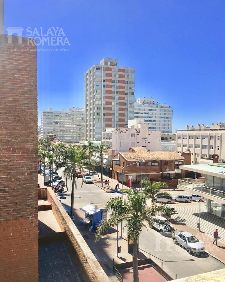 venta departamento en punta del este, peninsula, playa brava-mansa, 3 dormitorios, 2 baños