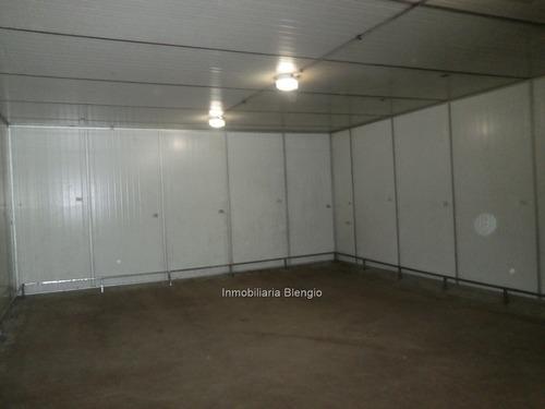 venta gran local comercial esquina  de 452 m2