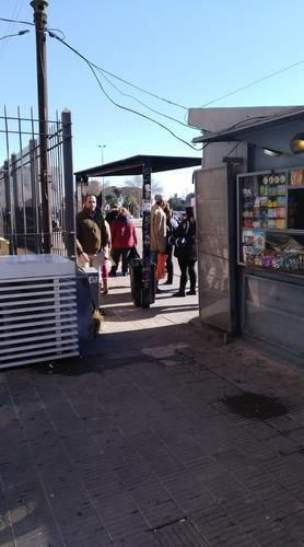 venta o permuta de kiosco municipal en tres cruces
