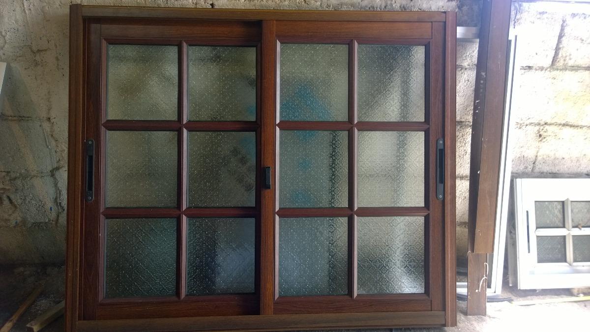 Ventana colonial color madera aluminio en for Puertas de aluminio color madera precios