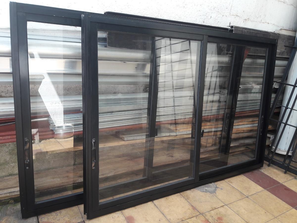 Ventana de aluminio pintada en color negro x 1 0 for Ventanas aluminio color titanio