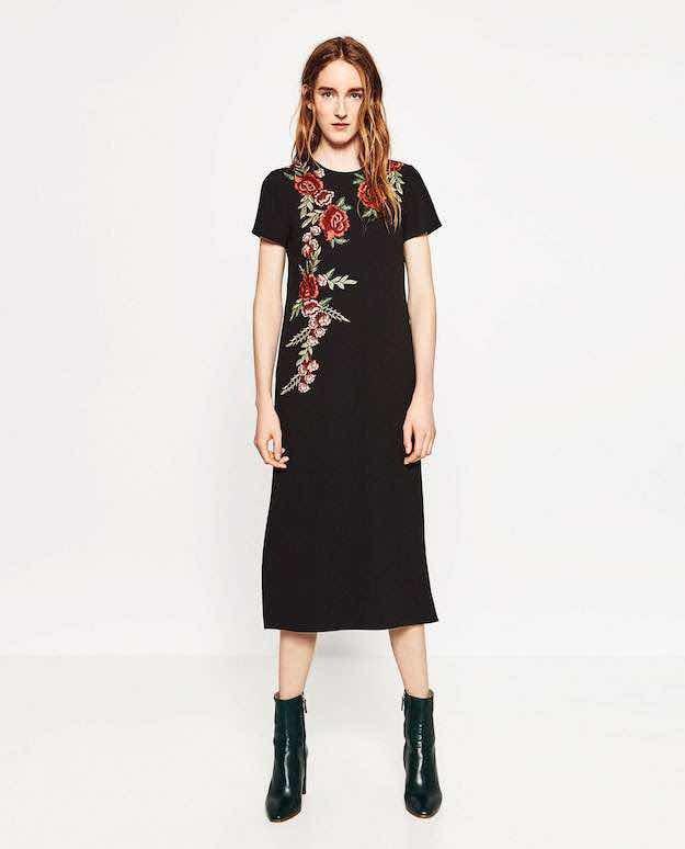 Vestido negro de flores zara