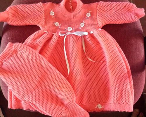 vestidos de bebe lana acrilica e hilo  a maquina a pedido