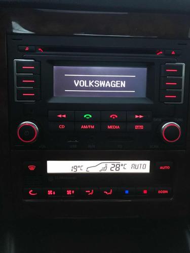 volkswagen bora 1.8 highline t 180cv cuero 2013