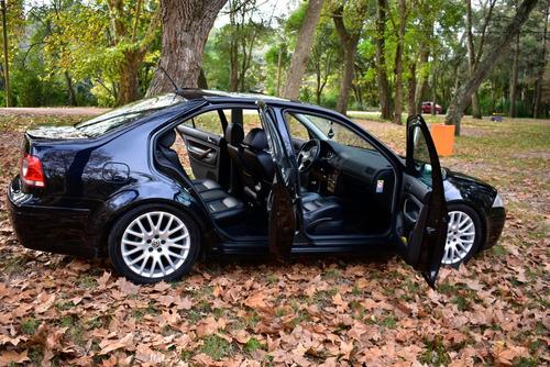 volkswagen bora 1.8 t año 2013. excelente estado.