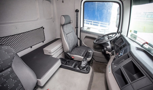 volkswagen constellation 19.360/35 advantech euro v 2017 rs