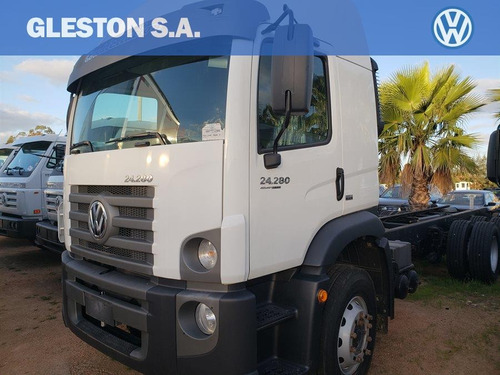 volkswagen constellation 24-280 euro v 2018 0km