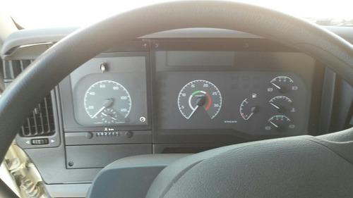 volvo vm260 como nuevo con 2.780 km