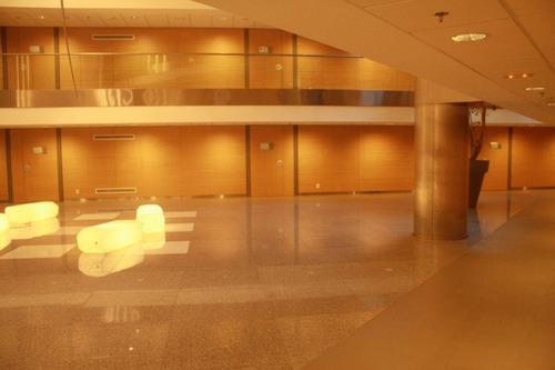 world trade center montevideo pronta para entrar