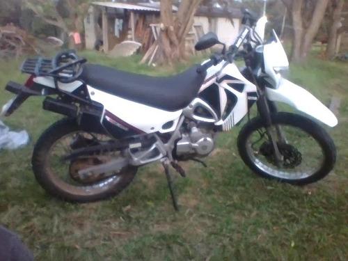 yumbo dakar 125 cc full 2