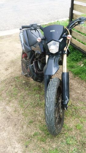 zanella ztt 200 cc , vendo o permuto