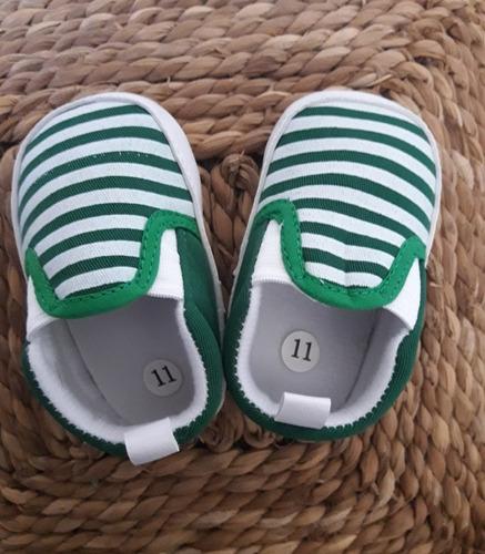 zapatillas bebe. zapatitos. no caminante