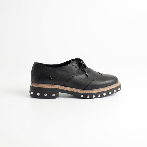 zapato acordonado puka negro. otro calzado