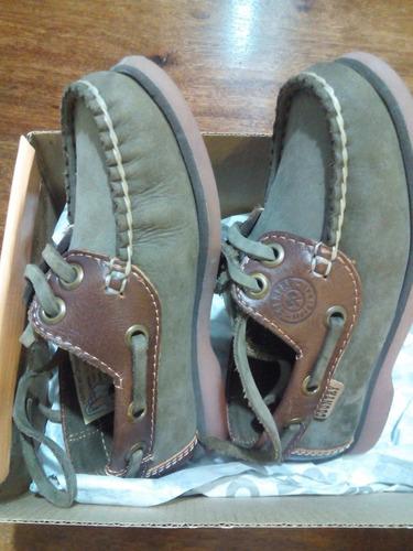 zapato de vestir para niño. nautico