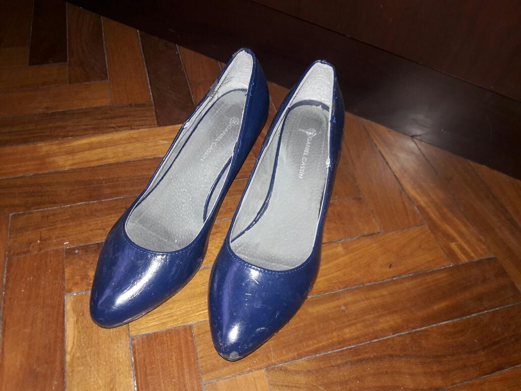 2e298162 Zapatos De Charol Azul Con Taco De 6 Cm, Daniel Cassin - $ 250,00 en ...