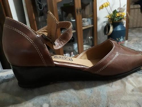 zapatos de cuero nuevos num 39
