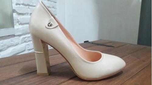 zapatos de fiesta con plataforma.