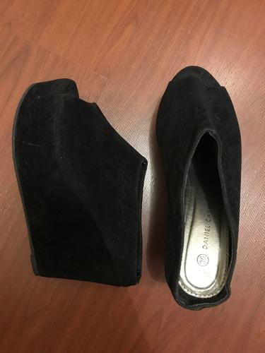 zapatos gamuza daniel cassin. talle 36