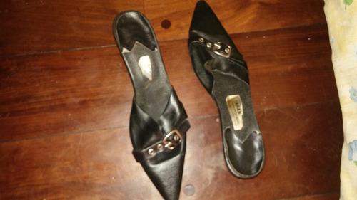 zapatos sandalias cuero negro en punta